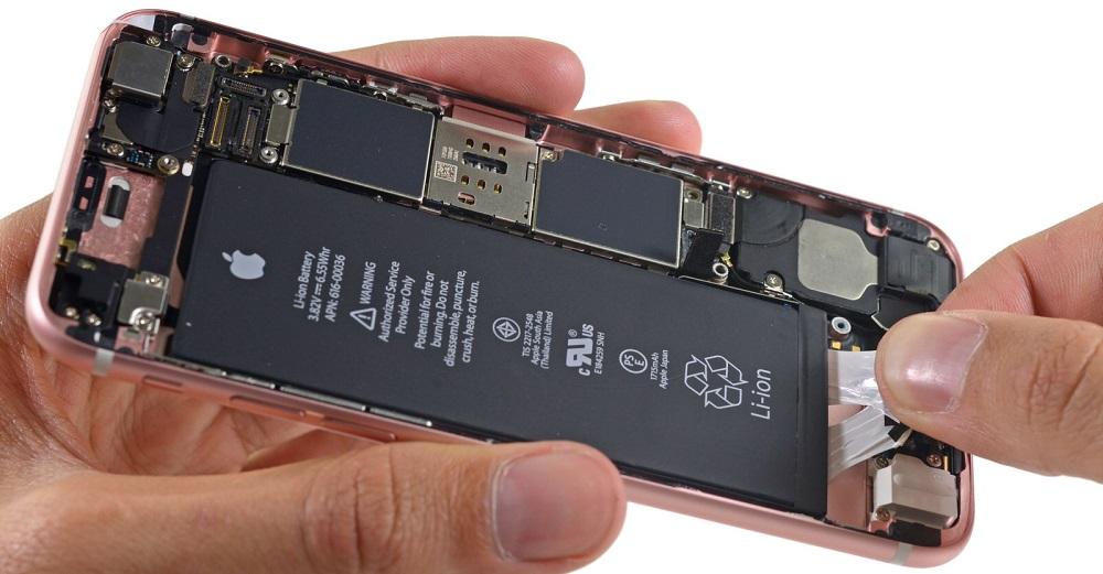Cand inlocuiti piesele de iPhone?